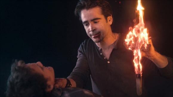 Charley (Anton Yelchin) versucht sich vergebens gegen den scheinbar übermächtigen Vampir Jerry (Colin Farrell) zur Wehr zu setzen.